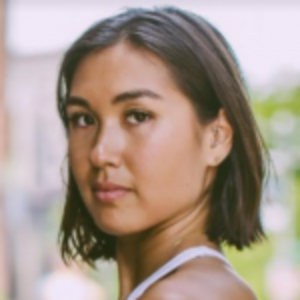 Arlynn Shimizu | Yoga Teacher
