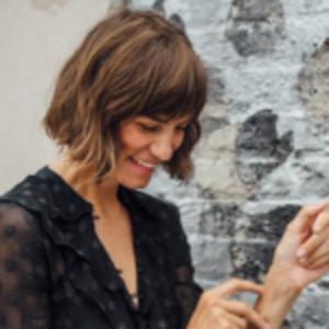 Gretchen Jones | Intuitive Business Advisor & Award-winning Design Director