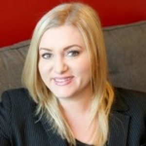 Lindsey Carnett | CEO & PRESIDENT, MARKETING MAVEN